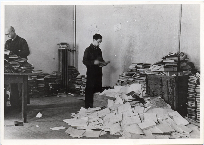 Jews forced to sort books by the Nazis, Vilna, ca. 1942