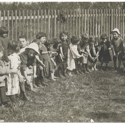 Outdoor play, Peretz shule