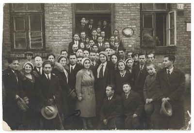 RG 1402 Members of tsukunft (Bund) Esther Ostroburski-Goldman in mid.jpg
